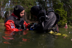 Jani Ripatti: Teppo as sidemount course instructor at Lake Iso-Valkee, Finland